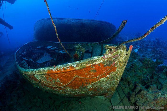 Barco hundido Mar Rojo - Ultima frontera