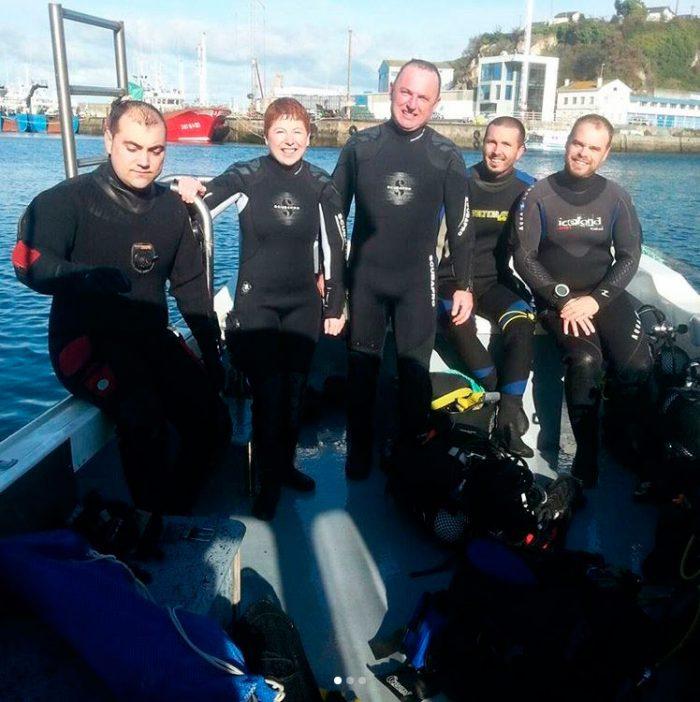 Grupo de buceadores Mergullo Viveiro