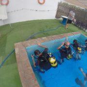 PADI-Open-Water-ejercicios-en-piscina-Dive-Center-Barbate