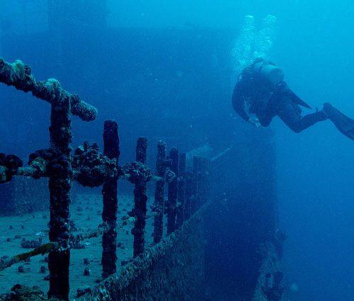 Pecios-y-barcos-hundidos-Especialidades-PADI