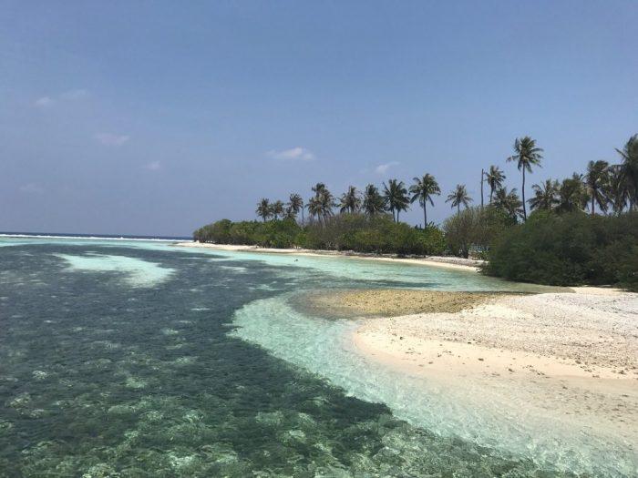 Playa en Guraidhoo en Islas Maldivas