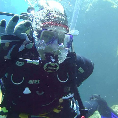 Submarinista-en-la-Escuela-Buceo-Aguadulce