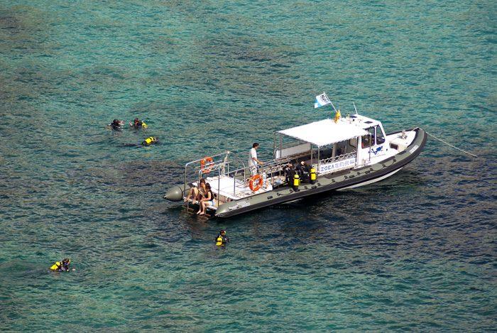 ZOEA embarcacion de buceo Conger